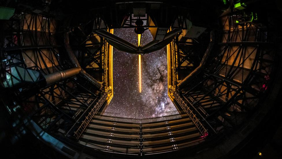 How to build the largest optical telescope ever created