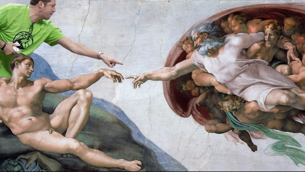 Twitter user @bluntforcellama transposed the man pointing in Gonzalez's photo onto Michelangelo's The Creation of Adam (1508-1512) (Credit: @bluntforcellama/Twitter)