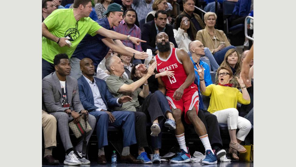 Taken at a game between the Houston Rockets and the Minnesota Timberwolves, this photo has been likened to art (Credit: Carlos Gonzalez/Minneapolis Star Tribune via ZUMA Wire)