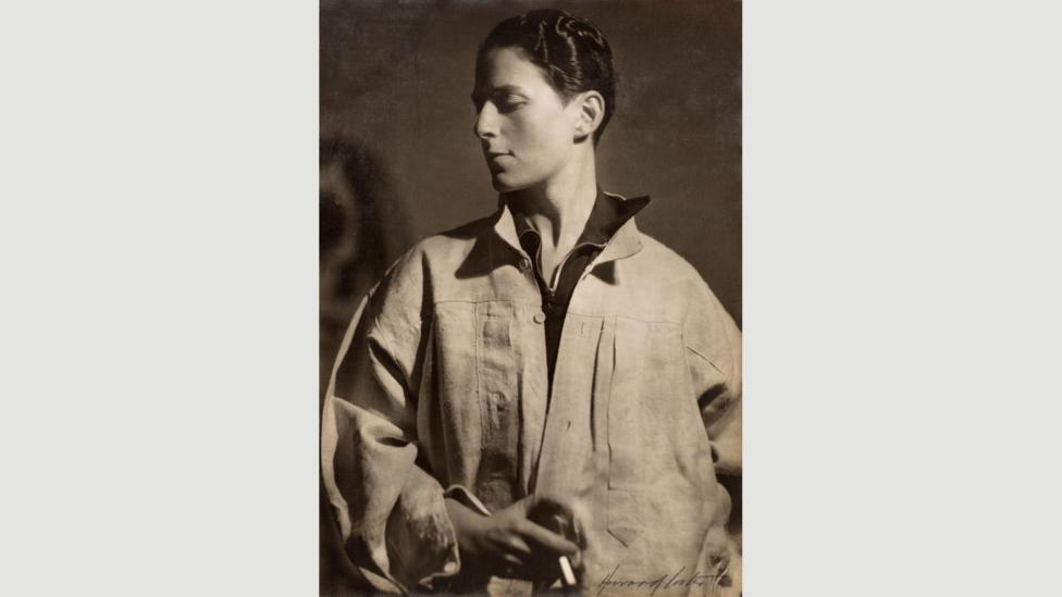 In the 1920s, lesbian artist Hannah Gluckstein, otherwise known as Gluck, was defiantly androgynous (Credit: Courtesy of the Fine Art Society, London)