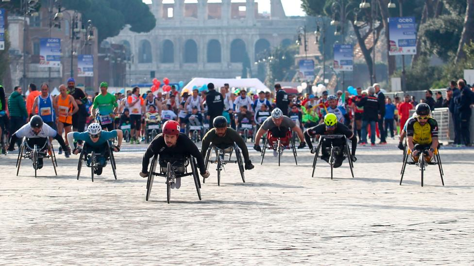 Athletes start the handbike racing event during the 2018 Rome marathon (Credit: Getty)