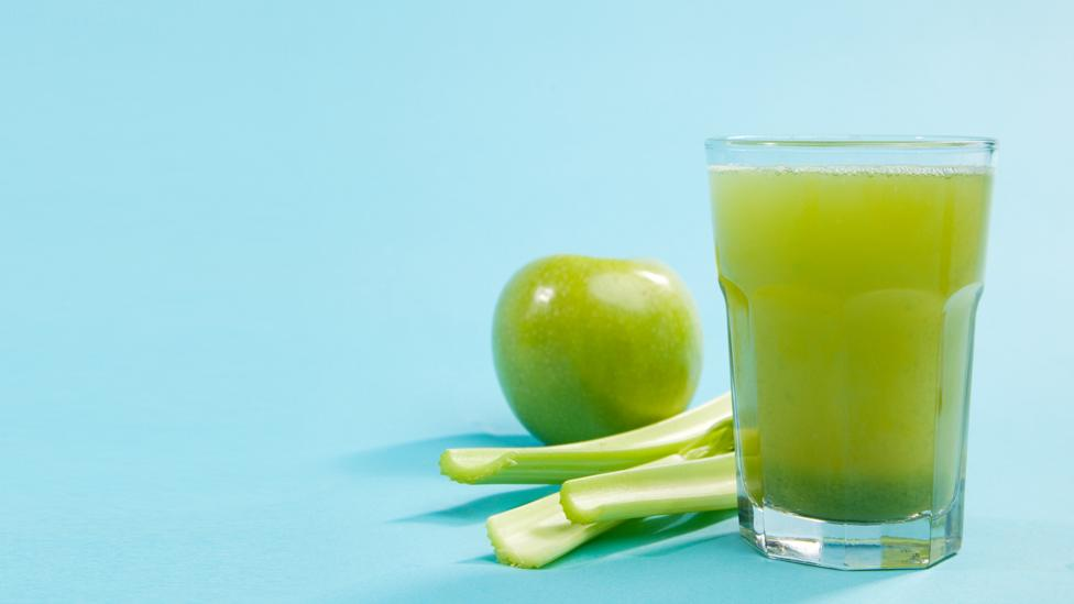 Using ripe fruit is one way to make juicing healthier (Credit: Getty)