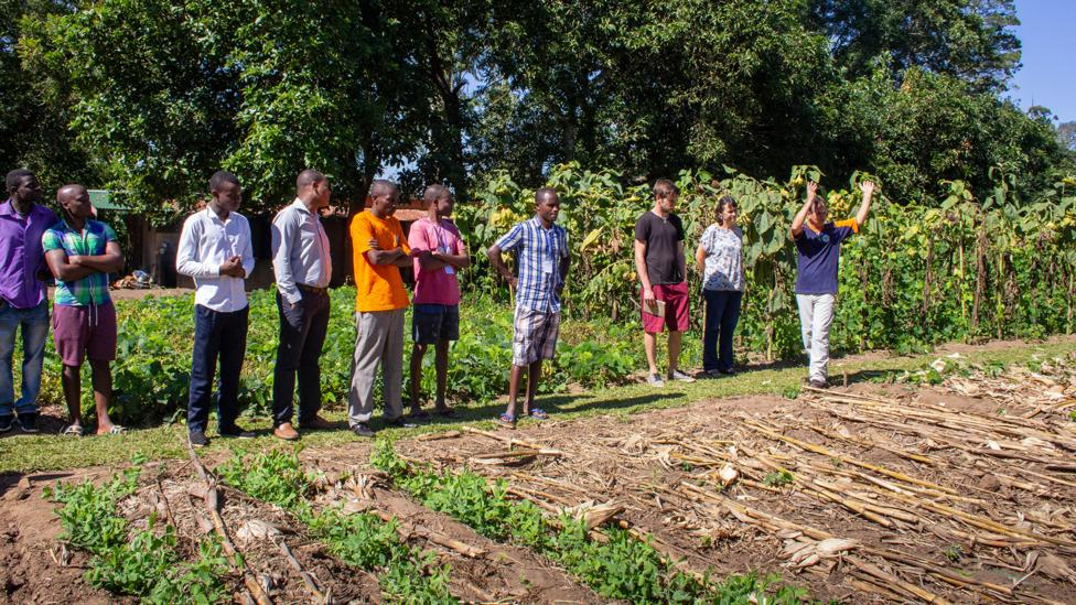 Johann van der Ham leads a group of farmers at the compost workshop in Blantyre (Credit: Sibylle Grunze)