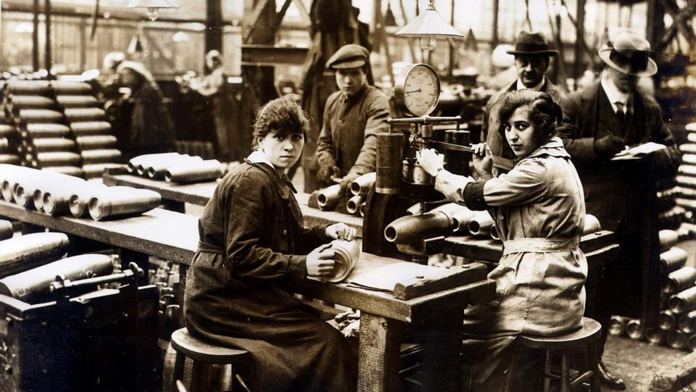 Wartime munitions workers