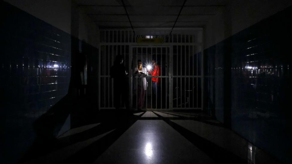Blackout in Venezuela hospital (Credit: Getty Images)
