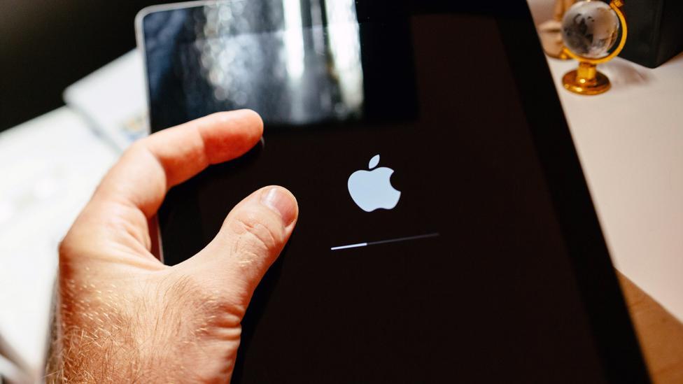 A progress bar on an Apple iPad (Credit: Alamy)