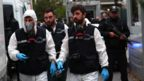 Turkish police investigators arrive at the residence of the Saudi consul in Istanbul (17 October 2018)
